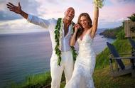 喜讯!巨石强森晒出婚纱照,宣布结婚