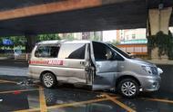 车辆自燃妻子先抢救货物导致火势增大 丈夫被困全身烧伤60%