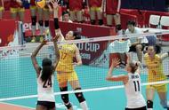 中国女排3-0美国女排!豪取7连胜无人可挡 拿下冠军指日可待