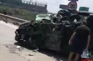 四川乐山犍为境内一网约车发生车祸 造成至少4人受伤