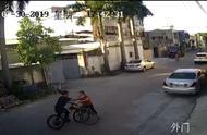 保时捷女司机自行车版:揭阳女子撞车后挥伞打人遭反击