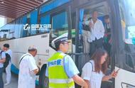 """大巴车涉嫌严重超员 驾驶员丢了""""饭碗""""不说还差点被判刑"""