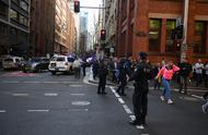 悉尼市中心发生持刀伤人事件 多人受伤