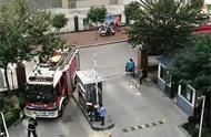 消防通道净宽不达标致消防车被卡,警方对城中城小区物业立案处罚