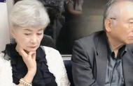 地铁最美奶奶,网友:奶奶太有气质了
