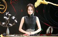 迪丽热巴将亮相《时尚大师》,黑色旗袍造型,端庄典雅,韵味十足