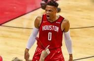 坐穿校队冷板凳,高一还无法扣篮,如今他在NBA二次涅槃重生