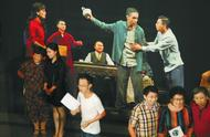 导演班赞因病去世后,北京人艺后台的这一幕让人泪目