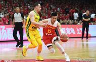 郭艾伦意外伤退,中国男篮险造17分大逆转,热身赛3分再负巴西