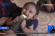 印尼父母给6个月大婴儿喝咖啡:买不起奶粉,一天3瓶咖啡