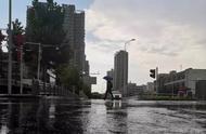 """郑州开启""""泼水""""模式!你遇到了吗?河南这7地也将迎来暴雨大风"""