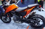 最强单缸跨骑,700cc水冷引擎,配博世电喷或ABS,售价不菲