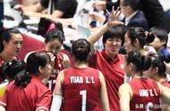 女排世界杯中国队六连胜 郎平临场指挥表情丰富