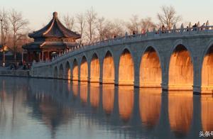 我国现存最大的亭子:北京颐和园昆明湖的廓如亭(八方亭)