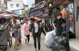 实拍:广州昌岗女装批发市场,10元一件衣服多的数不过来