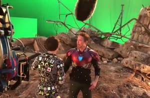 钢铁侠分享了复联4幕后拍摄花絮:钢铁侠还吧唧亲了一口小蜘蛛!