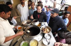 巴基斯坦早餐不吃包子馒头,而是这种美食!