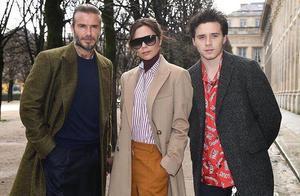 小贝一家三口现身巴黎时装周 和内马尔帅气同框