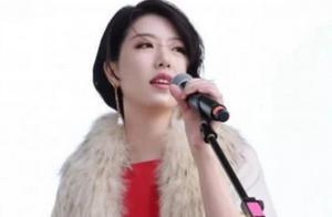 李亚鹏新女友身份曝光,驻唱歌手一晚800,根本不是大富翁!
