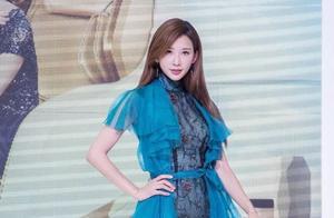 10款最减龄的蓝色连衣裙!林志玲、佟丽娅、欧阳娜娜穿后美翻了!