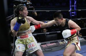 美女杨洋一拳打愣日本对手 全场更是追着打不留情面