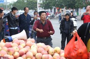 苹果不平价,水果自由难实现,价格上涨销量大减,鼓了谁的腰包?