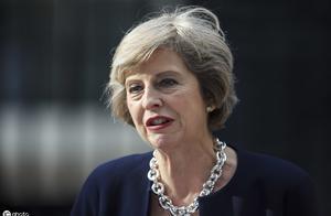 挣扎无力也无效,英国辉煌成为过去!分裂严重,首相都摊上大事!