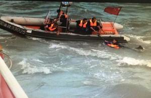 好大胆!抗法渔民将执法人员打伤推入海还开船逃逸!