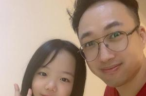 于正晒与黄晓明干女儿合照,11岁就会写小说,干女儿身份引猜测