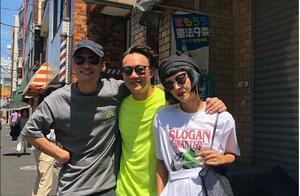 陈奕迅夫妇为余文乐潮牌店捧场,网友:怎么老有明星喜欢去日本?
