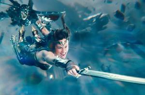 正义联盟:闪电侠以光速运行,将神奇女侠的剑送回她手中
