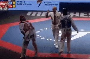 郑姝音遭争议判罚,中国队冠军被偷走,外国观众都看不下去了