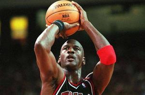 NBA历史PER值排前5的效率王:现役2人上榜,除詹姆斯另一人是谁?