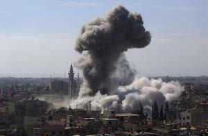 叙利亚装甲师进攻受挫,北约特种兵首次参战,大批俄军机赶来空袭