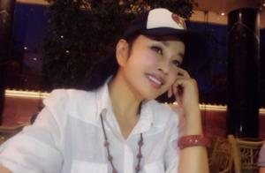 知名演员刘晓庆现身思幕品牌新品发布会,网友:64岁这样的状态?