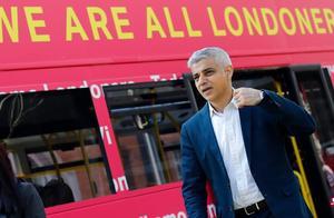 """访英专机还没降落,特朗普发推大骂伦敦市长是""""失败者"""""""