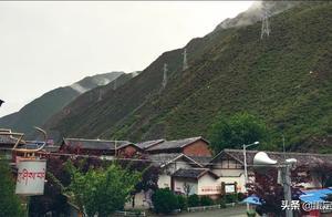骑行中国323天,雨天泥泞仅行十余公里来到九寨沟沟口