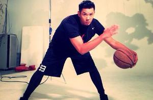 42岁陈建州坚持健身身材超棒,自曝害怕回到125公斤
