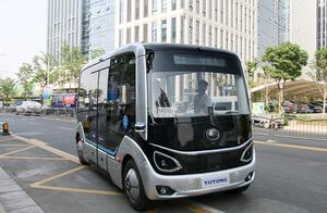 无人驾驶的公交车来了!100%中国制造,配5G技术,从此告别老司机