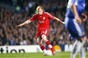 暴力美学的代表里瑟:利物浦的带刀后卫,大力轰门致史密斯断腿