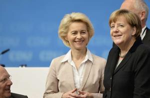 一个育有7个孩子的家庭主妇,是如何做上欧盟首位女主席的?