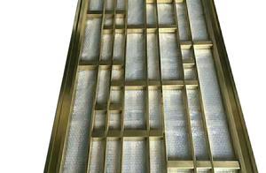不锈钢屏风彩色不锈钢装饰板掉色是产品质量问题吗?