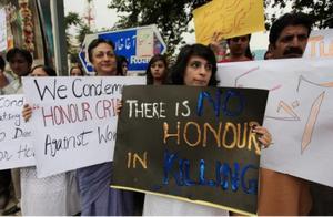 """""""为家族荣誉杀死妹妹,对此我毫无愧疚"""",巴基斯坦""""荣誉""""杀人进行中"""