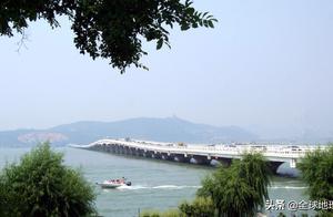 太湖风景名胜区是一个具有悠久文化历史的天然湖泊风景区