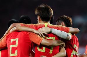 国足热身赛2连胜令人堪忧:如此老毛病,世界杯之路还能走多远?