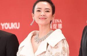 上影节红毯,关晓彤的仙气礼服美得上热搜,但好几位女星也不差啊