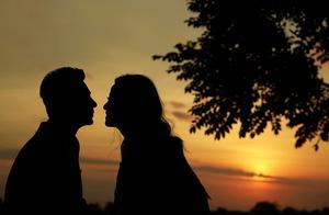 林心如霍建华一家三口首次同框,画面幸福温馨,力破婚变谣言