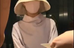 赵丽颖产后首现身,给粉丝签名姿势打脸半个娱乐圈:活该你这么红
