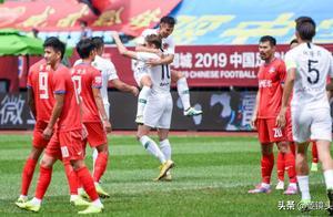 中甲-亚亚图雷首球,黄海5-2新疆4轮首胜!贵州2-0取3轮首胜