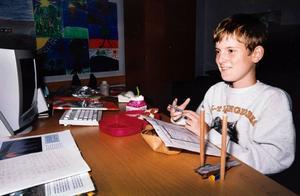 艾泽拉斯给你一个新世界!这是一位残疾少年在魔兽中的游戏人生